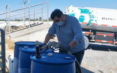 Biogénesis sigue innovando e implementa camión para distribuir su producto Cow Guard® y evitar plásticos en lecherías.